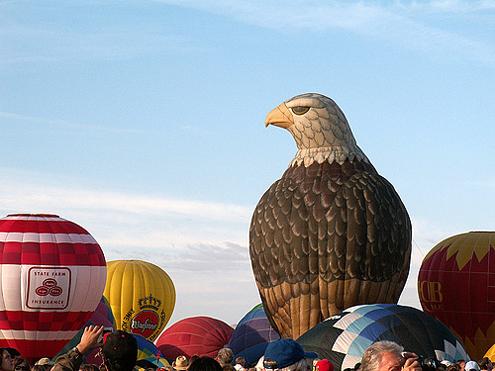 http://www.random-good-stuff.com/wp-content/uploads/2008/10/eagle-balloon.jpg