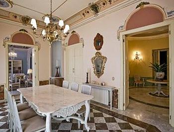 Palace-in-Valencia