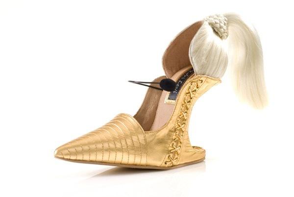Sexy Blond Shoe