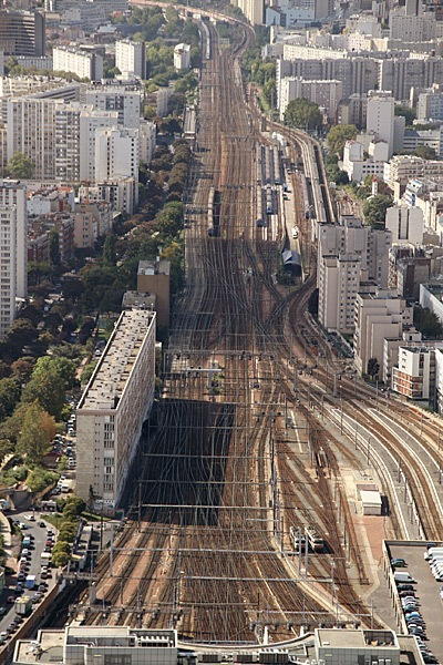 Train-Tracks-Paris