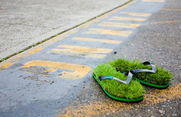 Grass-Flip-Flops