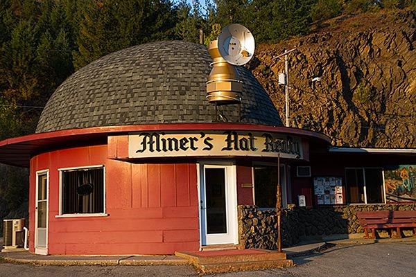Miner-Hat-Building